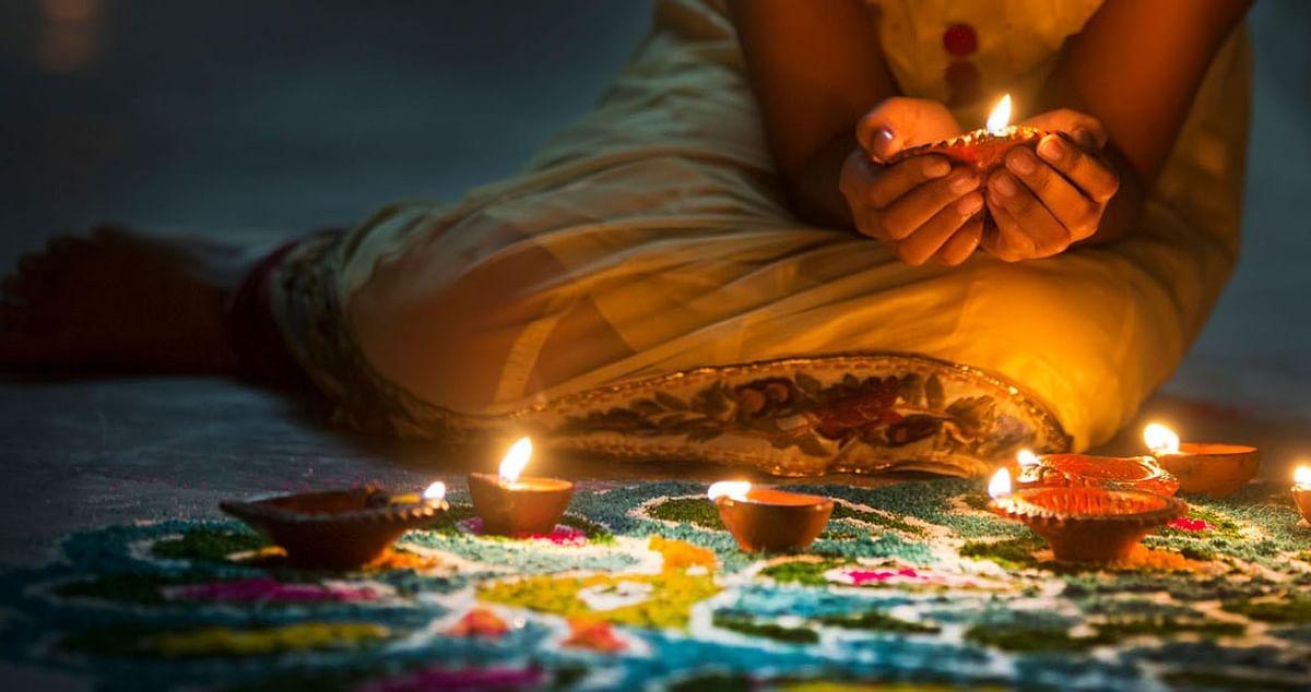 Diwali 2020 Pujan Samagri, Puja Vidhi, Muhurat : दिवाली पर सही मुहूर्त में करें लक्ष्मी-गणेश की पूजा तो विघ्न दूर होंगे और धन की वर्षा होगी