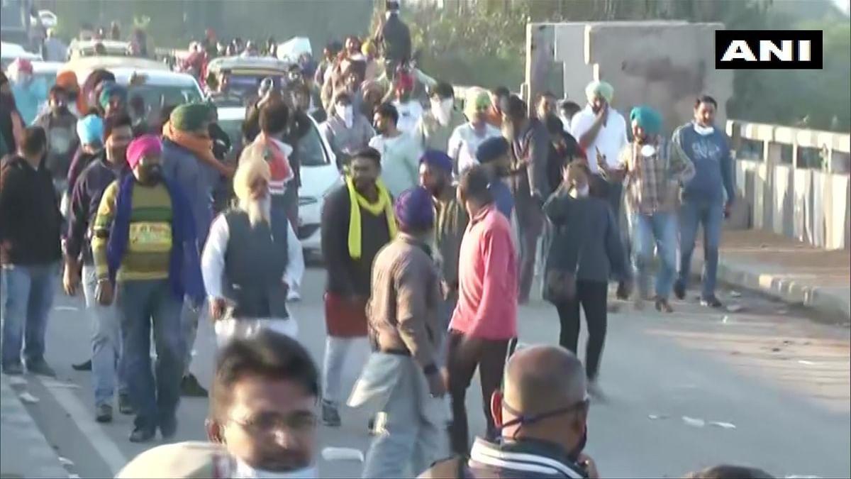 Farmers Protest Live : कृषि मंत्री नरेंद्र सिंह तोमर ने किसानों को बातचीत के लिए तीन दिसंबर को बुलाया