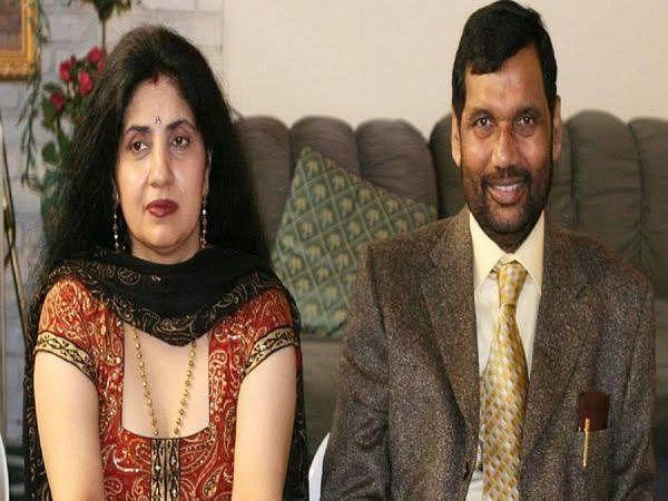 BJP Candidate के खिलाफ रामविलास की पत्नी Reena Paswan ठोकेंगी ताल? जानें Sushil Modi को चित करने का क्या है राजद और कांग्रेस का Formula