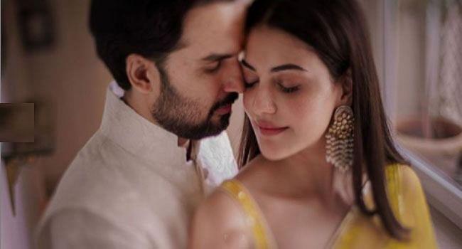 Kajal Aggarwal Wedding: अपने पति की बाहों में कुछ यूं नजर आईं एक्ट्रेस काजल अग्रवाल, सोशल मीडिया पर Viral हो रही हैं शादी की photos