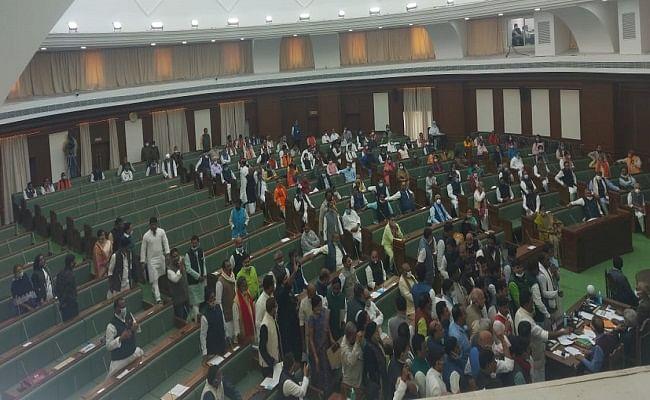 bihar assembly Live: NDA उम्मीदवार विजय सिंहा 17वीं बिहार विधानसभा के अध्यक्ष बने, सीएम नीतीश ने दी बधाई
