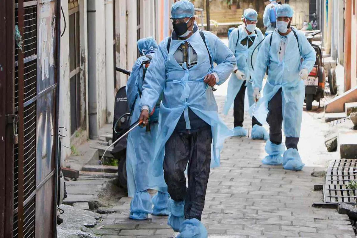 Coronavirus in India: 47 दिनों का टूटा रिकॉर्ड, देश में कोरोना संक्रमितों की संख्या 90 लाख के पार, 24 घंटे में हुई 584 लोगों की मौत