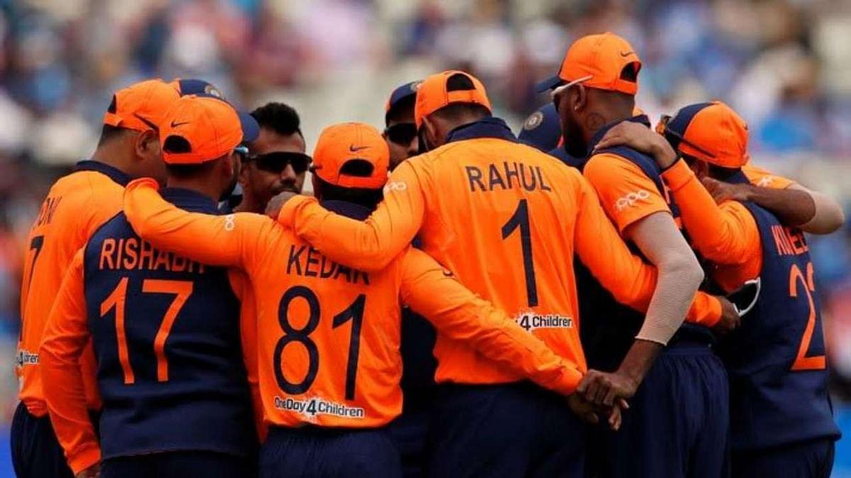 इस रंग में भी दिखी टीम इंडिया