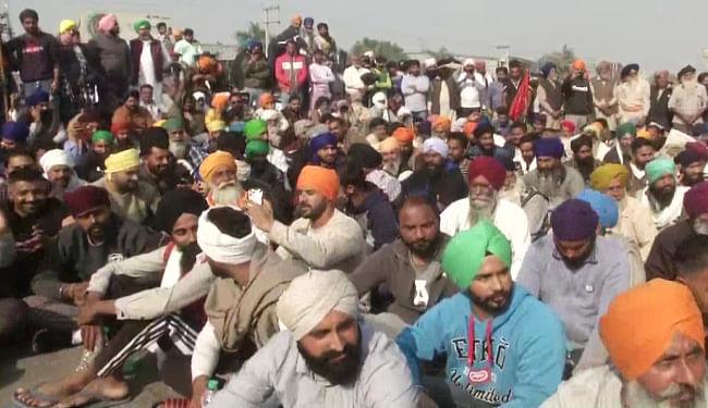 गृहमंत्री अमित शाह बोले- पहले निर्धारित प्रदर्शन स्थान पर जाएं, फिर करेंगे बात, किसानों ने कहा- शर्त रखना बंद कर समाधान बताएं