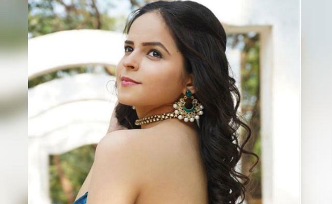 Taarak Mehta Ka Ooltah Chashmah : 'सोनू' ने ब्लू ड्रेस में शेयर की ये ग्लैमरस PHOTO, फैंस बोले - टप्पू संग अभी तक...