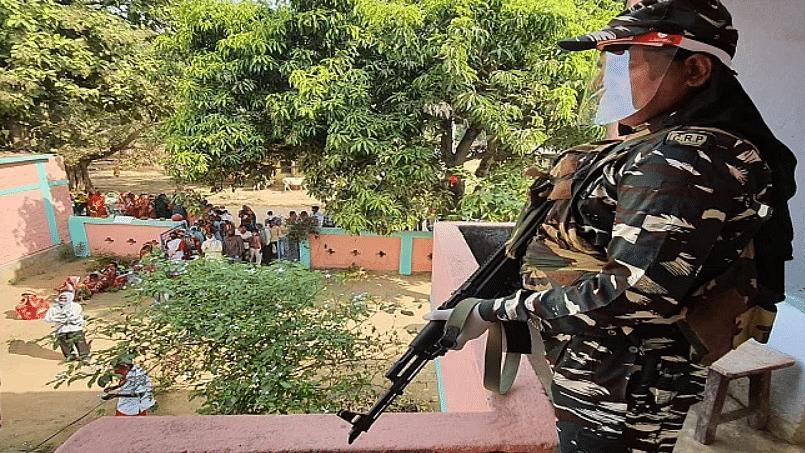 Bihar Election 2020: दूसरे चरण के चुनाव की तैयारी पूरी, अर्ध सैनिक बलों ने संभाली कमान, 49 थानों में भेजी गयी 50 क्यूआरटी