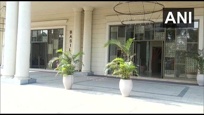 शिवसेना MLA प्रताप सरनाईक के आवास-कार्यालय पर ED ने मारा छापा