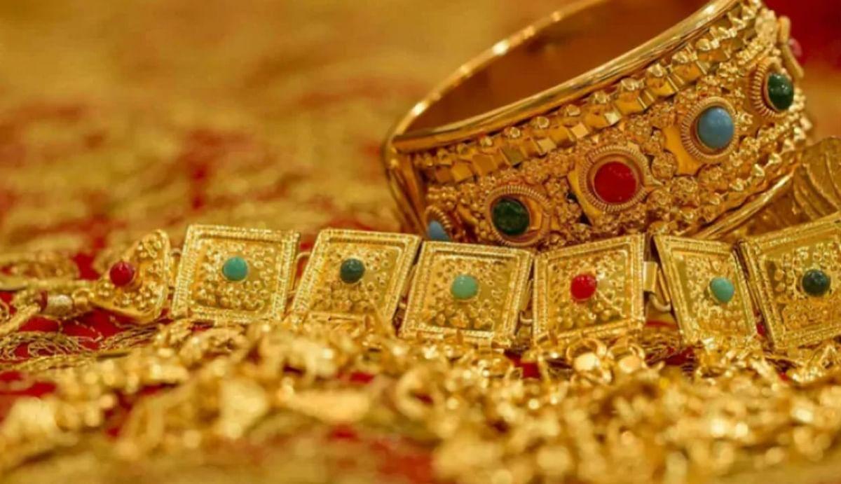 Dhanteras 2020: धनतेरस में ऑफरों की भरमार, इलेक्ट्रॉनिक्स सामान सोना-चांदी और गाड़ियों पर विशेष ऑफर