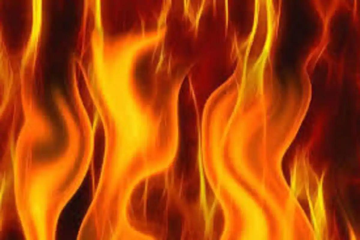 Bihar News: घर पर चल रही थी शादी की तैयारी, दूसरी तरफ आग लगाकर बैंक कर्मी ने कर लिया सुसाइड