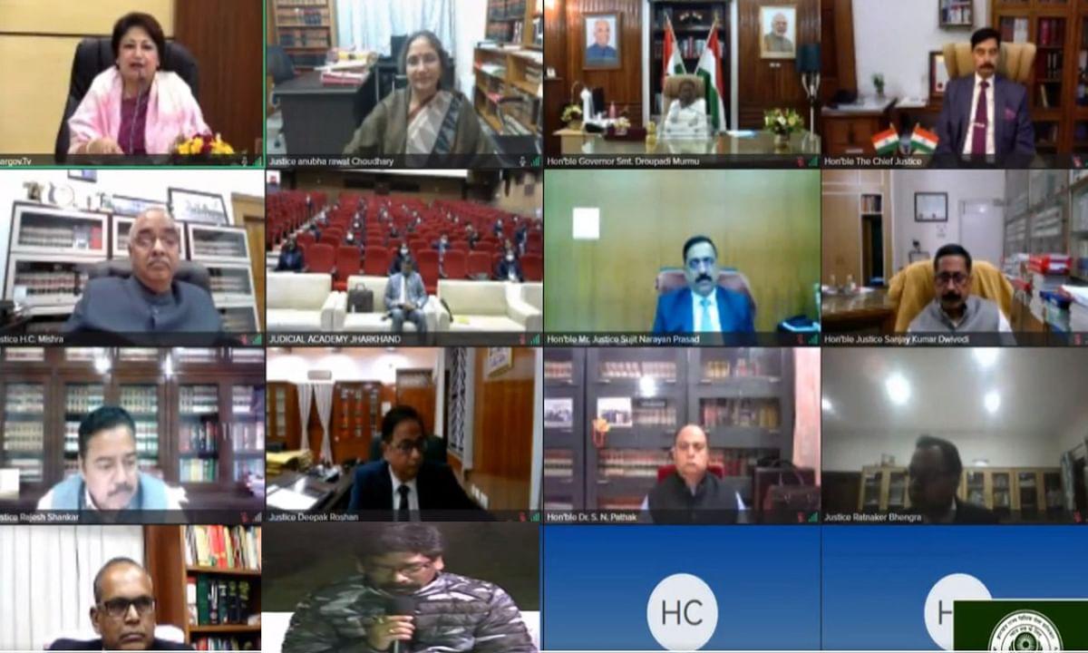 संविधान दिवस पर झालसा का ऑनलाइन कार्यक्रम, सीएम हेमंत बोले- सम्यक बदलाव एवं प्रगति की दिशा में आगे बढ़ रही है राज्य सरकार