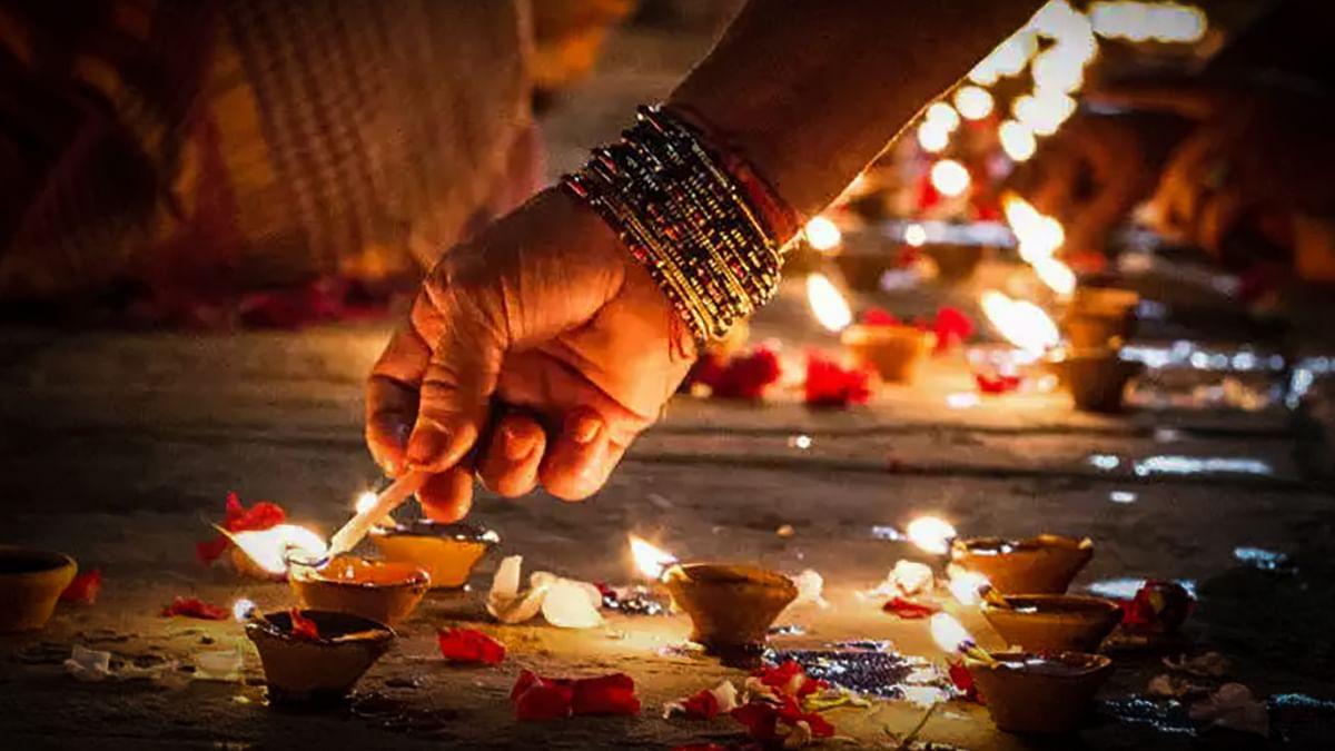 Dev Deepawali 2020: जानें इस दिन मंदिरों में कब होगा दीपदान, क्या है इससे जुड़ी मान्यताएं, शुभ मुहूर्त और पूजा विधि