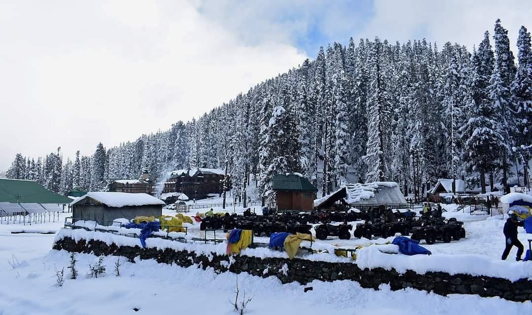 कश्मीर घाटी बर्फबारी