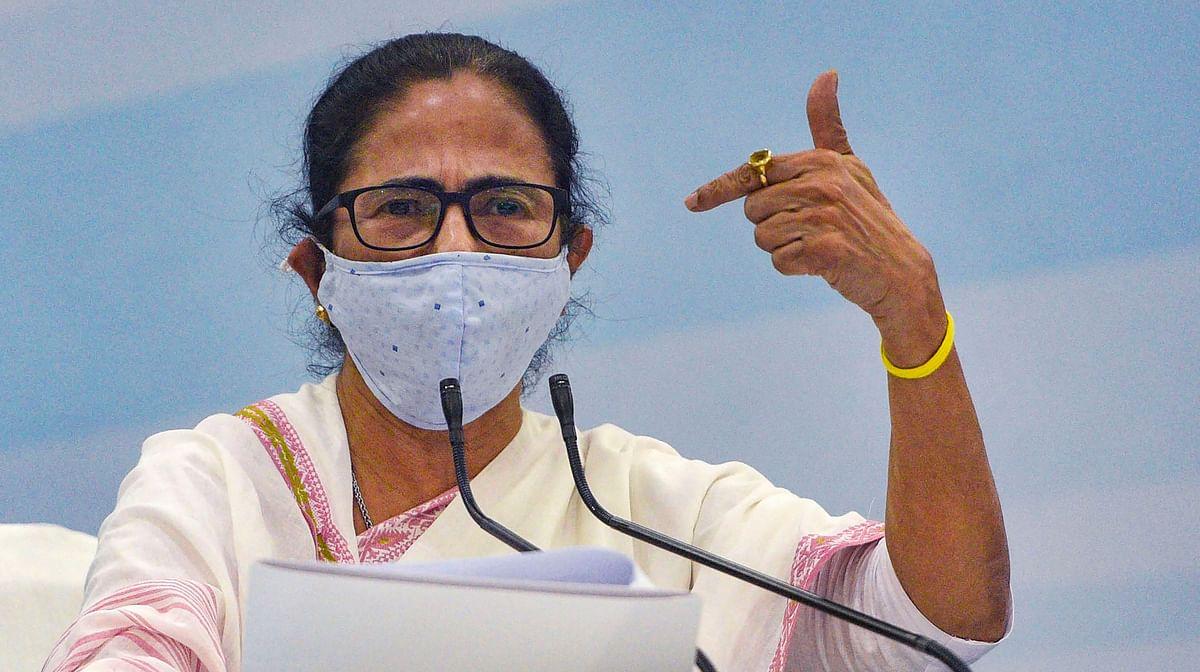बंगाल के IPS अधिकारियों को धमका रही है केंद्र सरकार, ममता बनर्जी ने मोदी सरकार पर लगाये गंभीर आरोप
