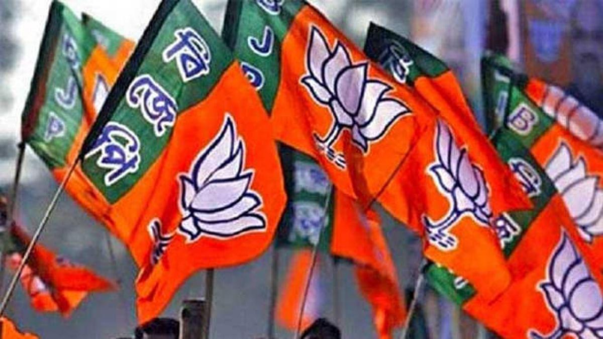 बंगाल में मजबूत हो रही BJP, अपनी ताकत का पता लगाने के लिए पार्टी ने कराये दो सर्वे