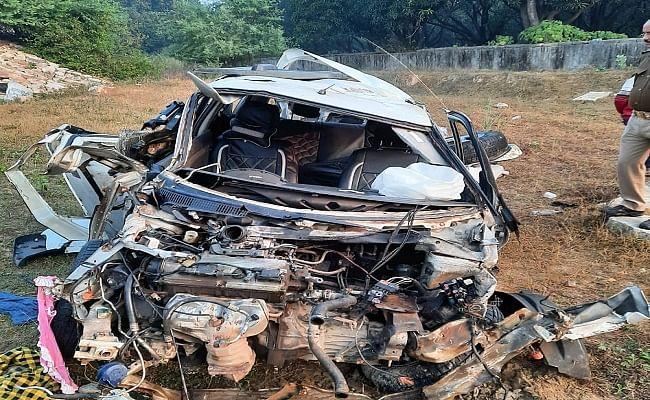 Road Accident Latest News : आगरा-लखनऊ एक्सप्रेस-वे पर कार हादसे में बिहार के दो सगे भाइयों की मौत