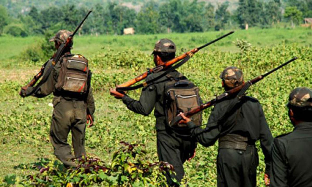 Jharkhand news : अर्घ देकर छठ घाट से बाहर आ रहे पूर्व नक्सली की हत्या