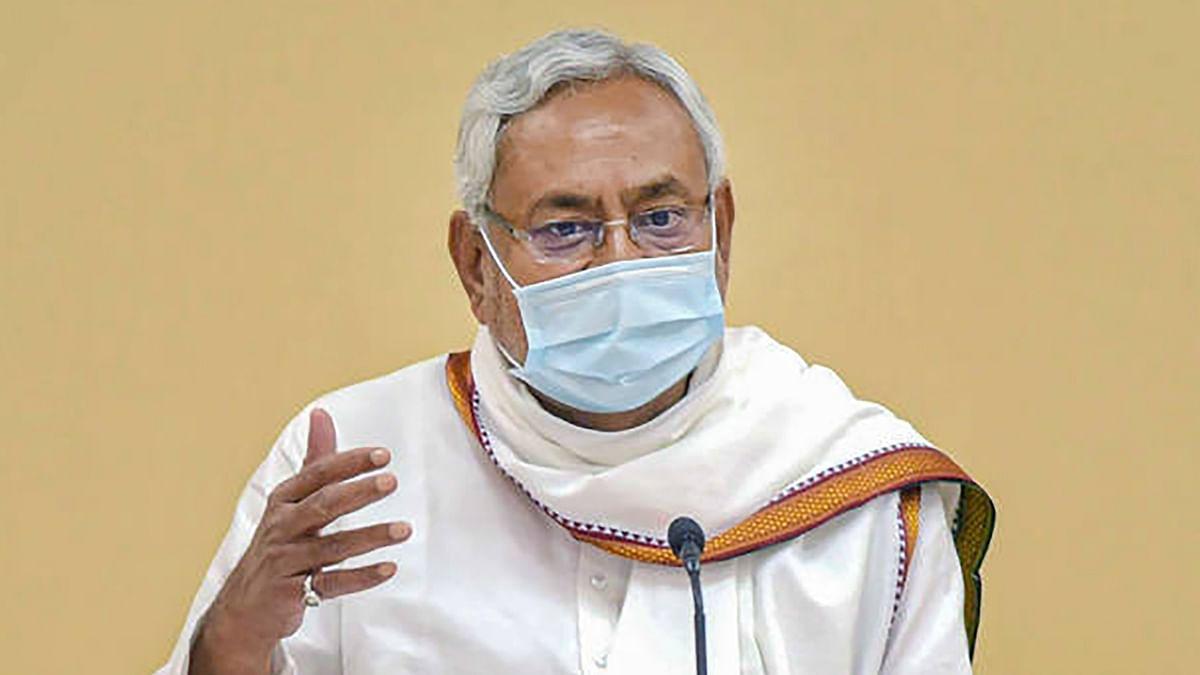 Nitish Kumar News: अखिलेश यादव के वैक्सीन से जुड़े बयान पर CM नीतीश का तंज, कहा- कुछ भी बोलकर खबर छपवाने की कोशिश