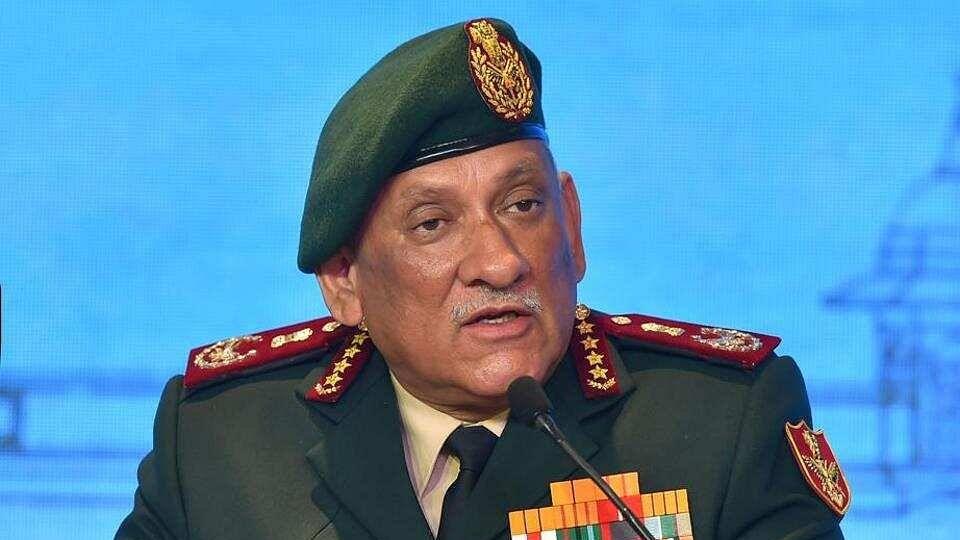 पूरी तरह स्वदेशी होंगे भारत के हथियार और रक्षा उपकरण- सीडीएस जनरल बिपिन रावत