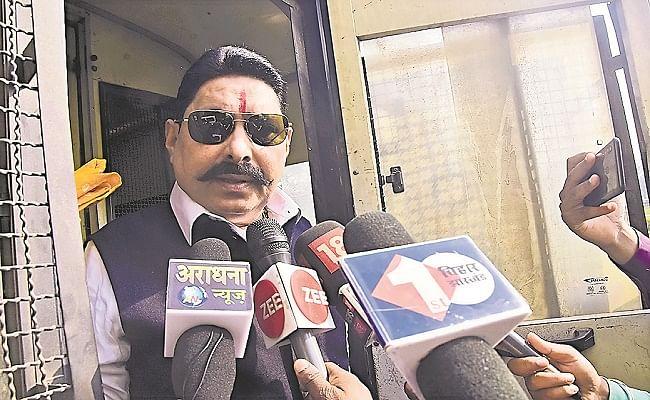 Bihar Assembly Session : जेल से कैदी वैन में विधानसभा पहुंचे MLA अनंत सिंह ने लालू प्रसाद के वायरल ऑडियो मामले पर कही ये बात