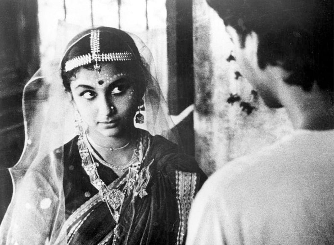 शर्मिला टैगोर ने सौमित्र चटर्जी के साथ कई बांग्ला फिल्मों में किया था काम.