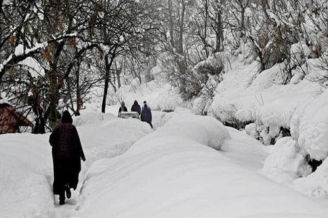 Weather Forecast LIVE Updates : दिल्ली, बिहार, यूपी समेत पूरे उत्तर भारत में कड़ाके की ठंड, कश्मीर में रिकार्ड तोड़ सर्दी, जानिये अपने शहर का हाल