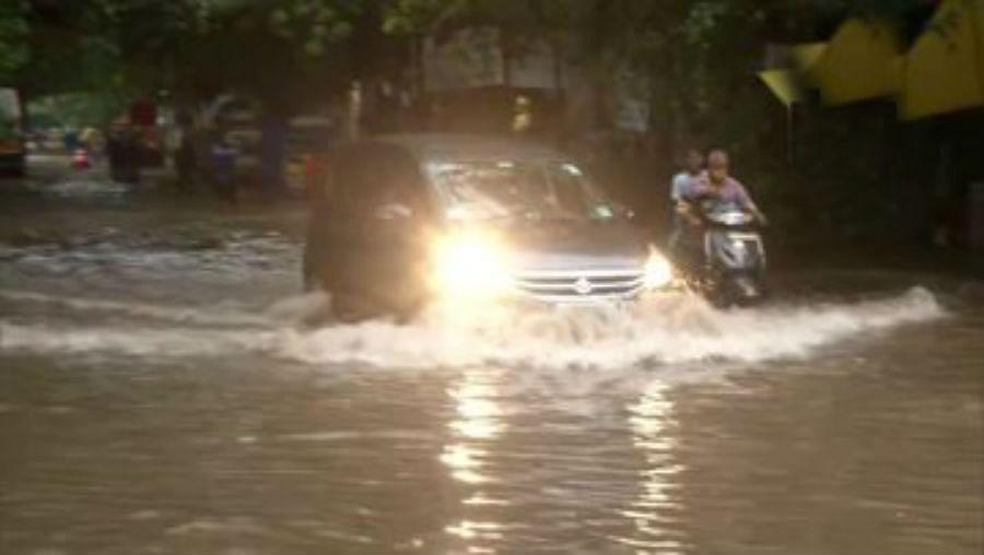 Cyclone Nivar Latest Updates : तमिलनाडु में तेज बारिश शुरू, चेन्नई में जलजमाव, ट्रेन और फ्लाइट्स रद्द, हर दस मिनट पर चलेगी मेट्रो ट्रेन