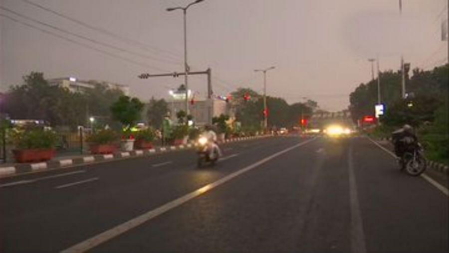 दिल्ली- एनसीआर में हुई तेज बारिश, जहरीले प्रदूषण से मिली राहत, ठंड बढ़ेगी