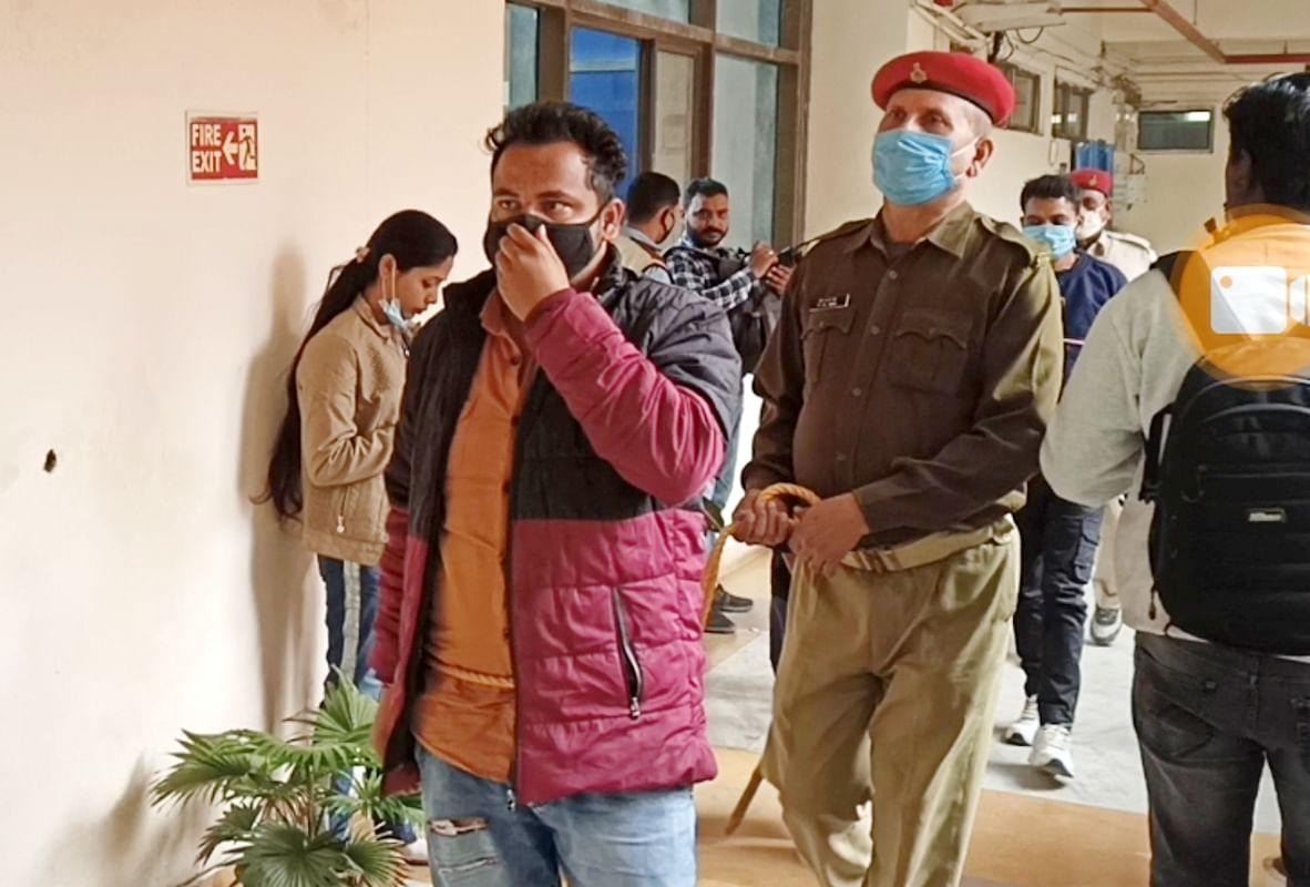 डॉ शंभु प्रसाद से PLFI के नाम पर 20 लाख की लेवी मांगने वाले 4 शातिर अपराधी गिरफ्तार