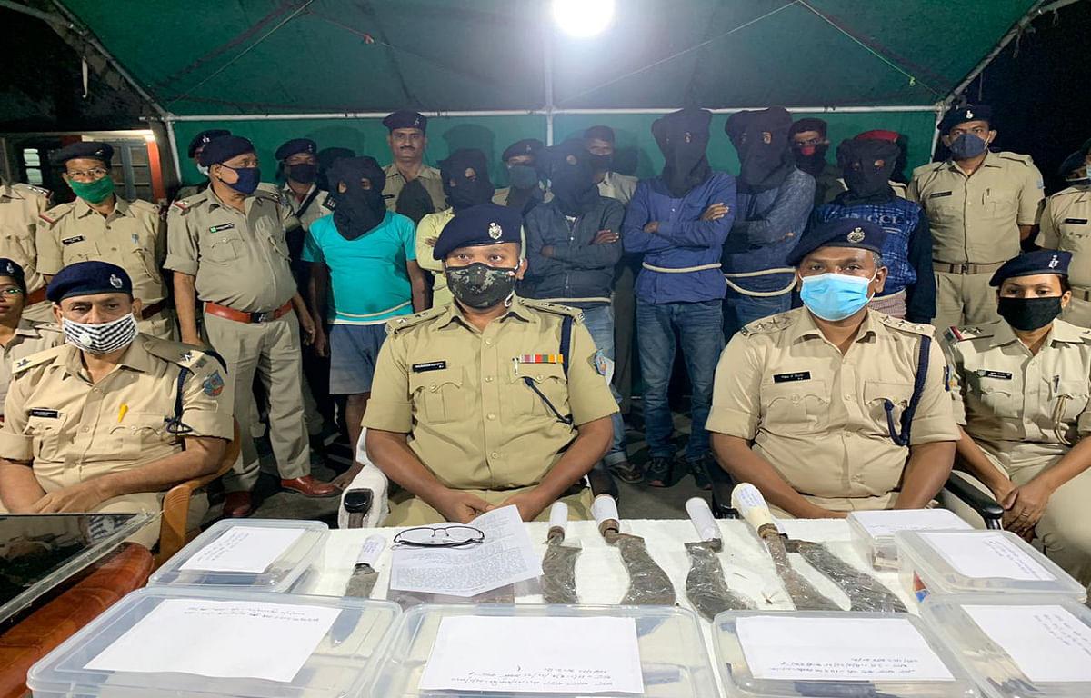 प्रवीण यादव हत्याकांड का पुलिस ने किया खुलासा, कई हथियारों के साथ 5 आरोपियों की हुई गिरफ्तारी