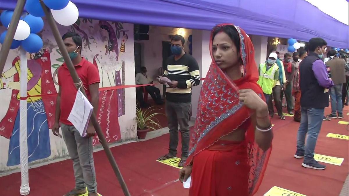 Bihar Chunav : पटना की नौ सीटों पर 51.2 प्रतिशत, दीघा में सबसे कम 34.5 प्रतिशत पड़े वोट