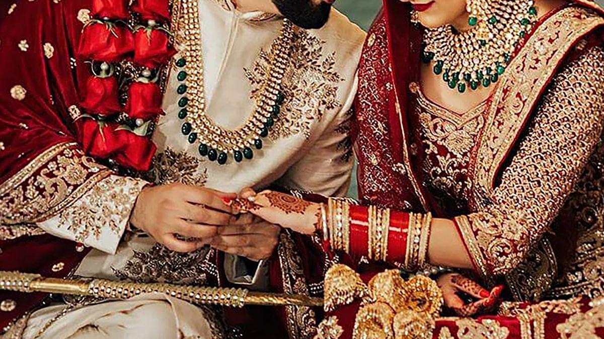 Shubh Vivah Muhurat पर कई दूल्हे पहनेंगे किराये की शेरवानी और पगड़ी, दुल्हन भी सजेंगी आर्टिफिशियल व भाड़े के गहनों से, जानें रेट