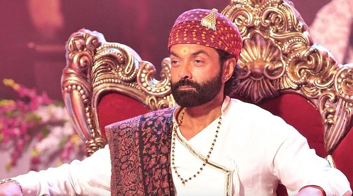 Aashram 2 Review : आश्रम 2 में भी कहानी वहीं, तीसरे सीजन का करना होगा इंतजार