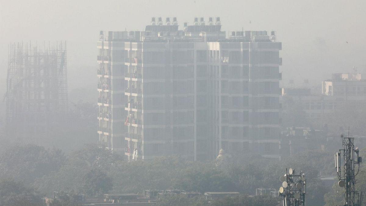 Delhi Air Pollution: जानलेवा होती जा रही है दिल्ली की हवा, वायु गुणवत्ता पांचवे दिन लाल निशान से ऊपर