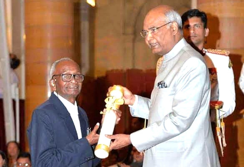 पद्मश्री प्राेफेसर दिगंबर हांसदा का जमशेदपुर में निधन, राजकीय सम्मान के साथ कल होगी अंत्येष्टि