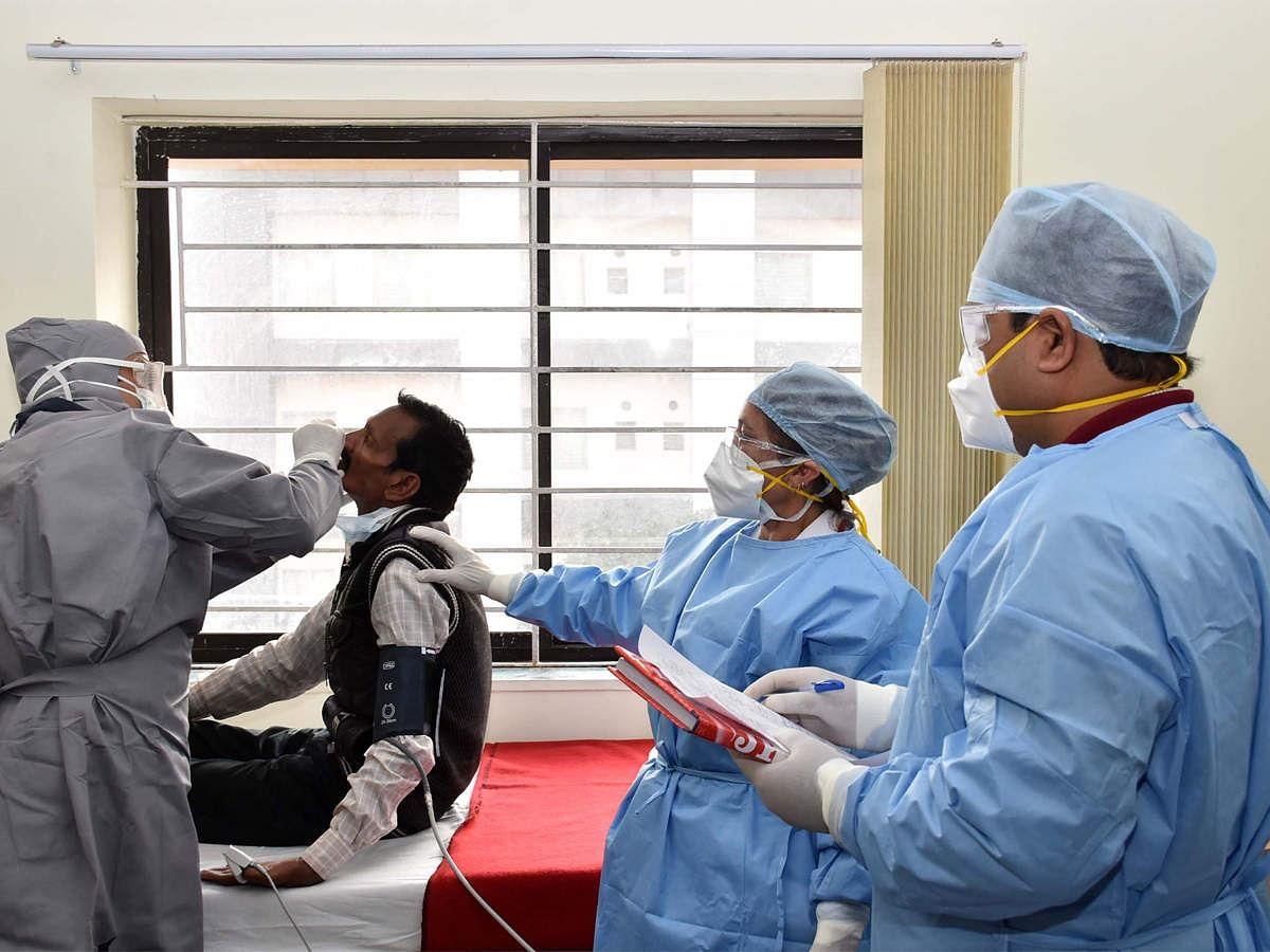 Coronavirus Updates: दिल्ली में पिछले 24 घंटे में कोरोना के चार हजार से अधिक मामले, 121 की मौत