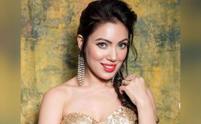 Taarak Mehta Ka Ooltah Chashmah : 'बबीता जी' ने स्टाइलिश ड्रेस में शेयर की ये बोल्ड तसवीर, फैंस बोले - टप्पू क्यों अभी तक...