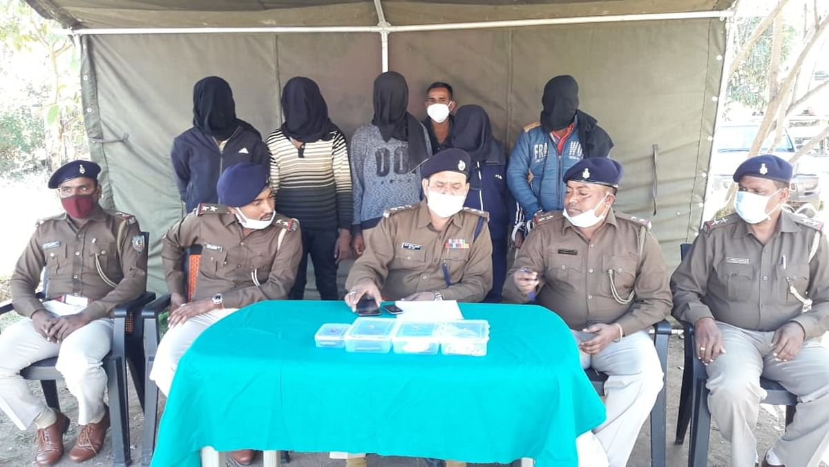 महुआडांड़ में डाका डालने वाले छत्तीसगढ़ के 5 डकैतों को लातेहार पुलिस ने किया गिरफ्तार, जेल भेजा