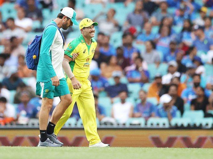 India Vs Australia sydney ODI 2nd oneday match : डेविड वार्नर को डाइव मारने के दौरान लगी चोट, सीरीज के बाकी मैचों में उपलब्ध होने की उम्मीद नहीं