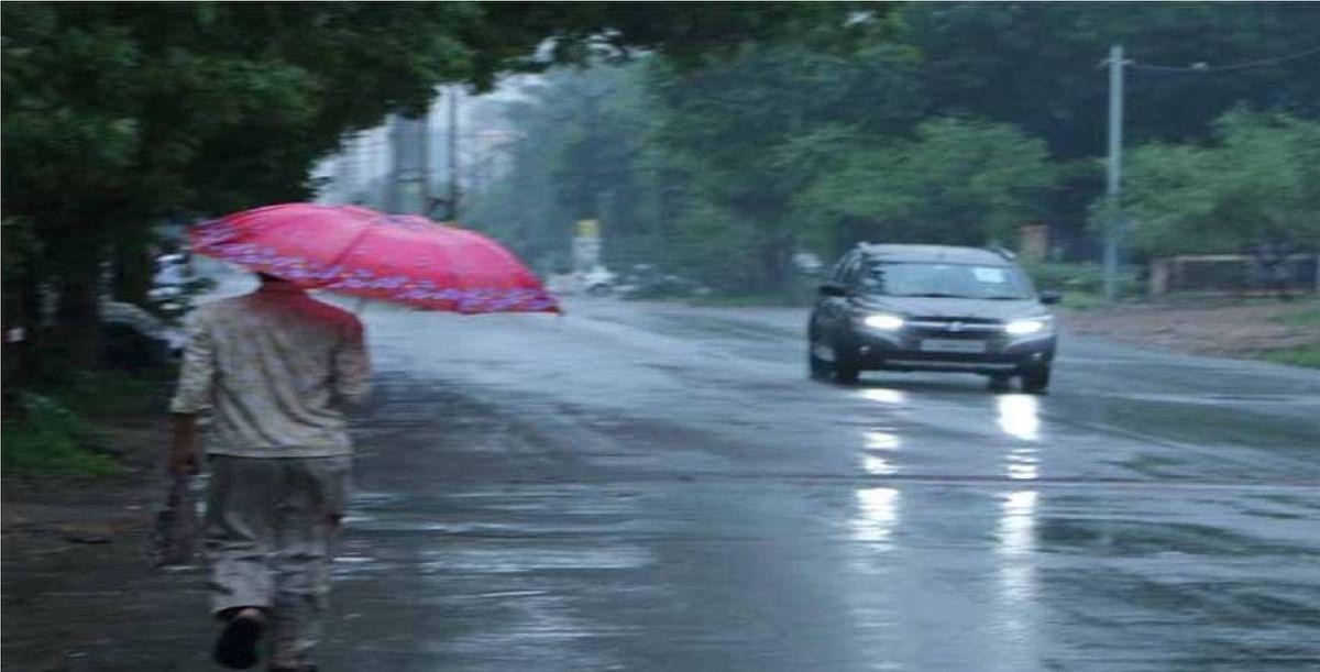 Weather Forecast Live : उत्तर भारत में कड़ाके की सर्दी, इन राज्यों में भारी बारिश का अलर्ट, जानें झारखंड, बिहार, दिल्ली का मौसम
