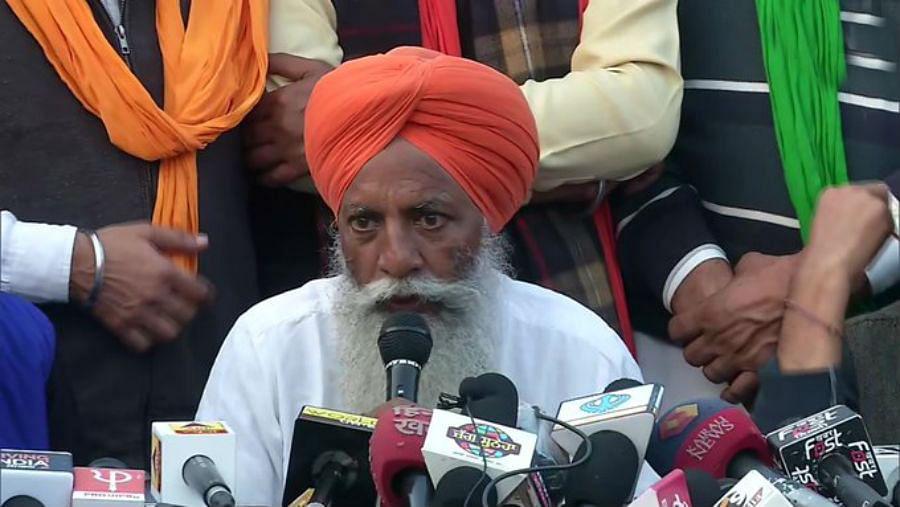 दिल्ली में डटे किसानों ने मोदी सरकार पर लगाया गंभीर आरोप, देश में कॉरपोरेट्स के लिए कानून बनते हैं और...