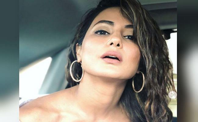 हिना खान का स्वीमिंग पूल में दिखा बोल्ड अंदाज, 'तूफानी सीनियर' का हॉट लुक सोशल मीडिया पर वायरल