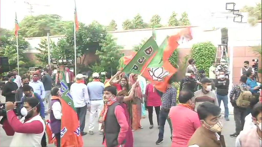 Bihar chunav Results 2020 LIVE updates : NDA को बहुमत,नीतीश कुमार का चौथी बार सीएम बनना तय, अब सरकार गठन पर होगी चर्चा