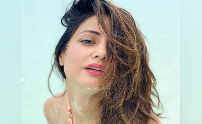 हिना खान का ट्रासपेरेंट ड्रेस में दिखा हॉट लुक, सोशल मीडिया पर वायरल हुई 'तूफानी सीनियर' की बोल्ड PHOTOS