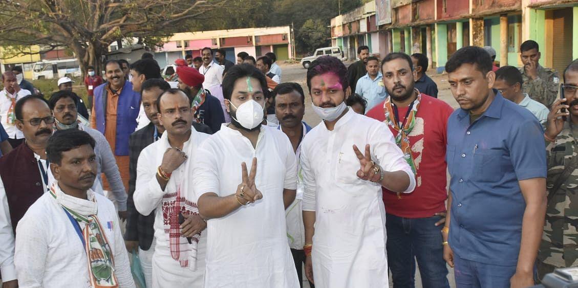 Bermo By Election Result 2020 LIVE :   बेरमो से कांग्रेस प्रत्याशी कुमार जयमंगल की जीत, भाजपा प्रत्याशी योगेश्वर महतो बाटुल को दी शिकस्त