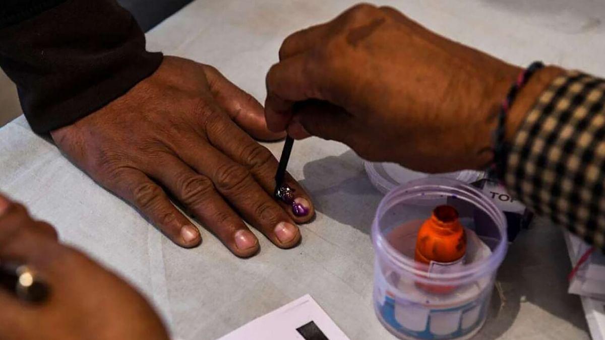 Bihar Election Second Phase: हॉट सीट नालंदा में त्रिकोणीय मुकाबला, CM नीतीश के गढ़ में NDA प्रत्याशी की प्रतिष्ठा दांव पर