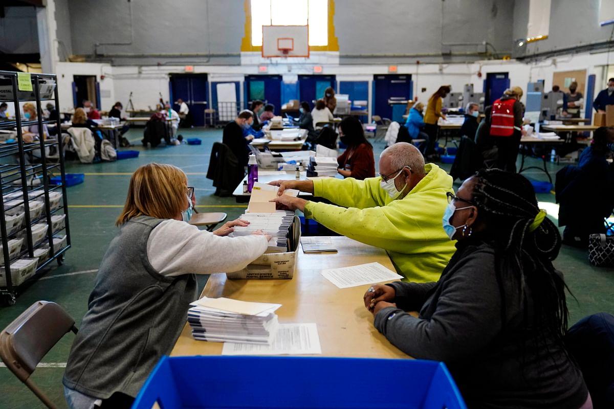 US Election Results 2020: एक दर्जन से अधिक भारतवंशियों ने राज्यों में दर्ज की जीत, 5 महिलाएं भी शामिल