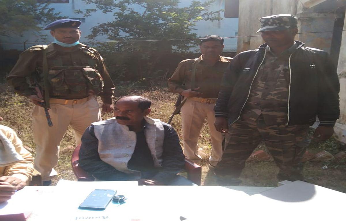 7 हजार रुपये रिश्वत लेते मनिका थाना इंस्पेक्टर को ACB की टीम ने किया गिरफ्तार