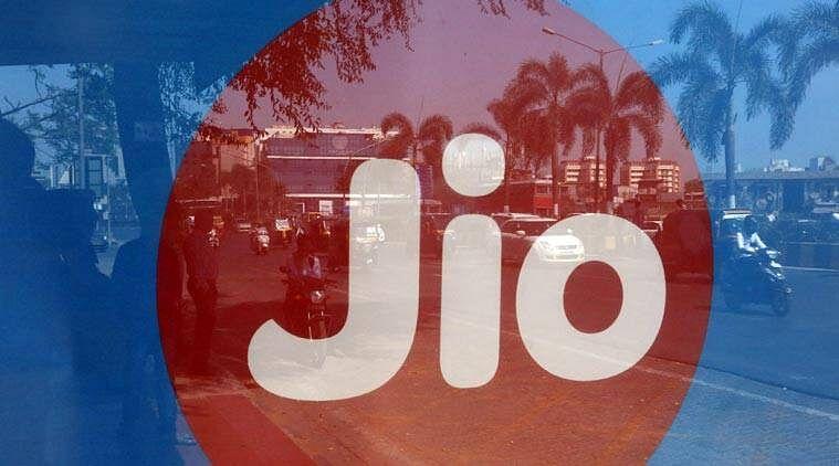 Reliance Jio के 200 रुपये से सस्ते प्लान में मिलेंगे इतने सारे बेनिफिट्स कि आप भी...
