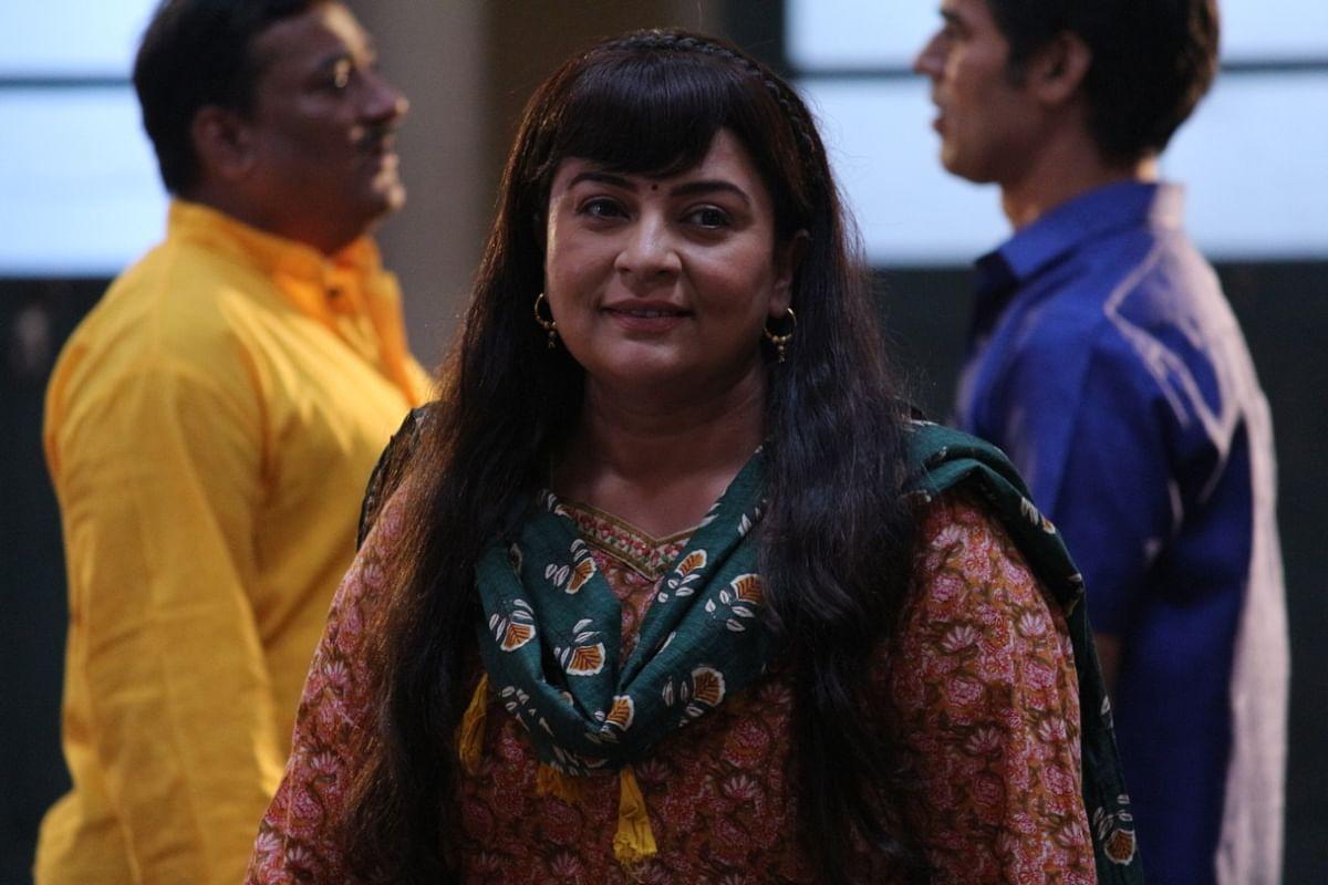 Indiawaali Maa : शो के लिए काकू ने बदला अपना हेयर स्टाइल, इस लुक में दिखीं सुचिता त्रिवेदी, जानें सीरियल का लेटेस्ट अपडेट