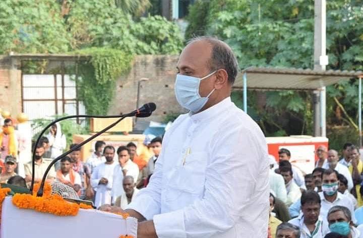 Bihar News : मोदी सरकार में मंत्री बनने से चूके थे, अब सीएम नीतीश ने बनाया JDU का अध्यक्ष, जानिए RCP Singh के बारे में...